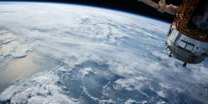 HEISE.de | Nach Hochwasser-Katastrophe: Rheinland-Pfalz stellt Starlink-Antennen auf